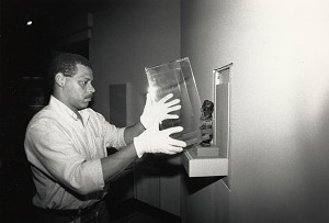 Image of Steve Smith installs an artifact