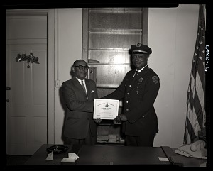 Image of Guard of the Month Award Presentation to Officer Arthur Looper