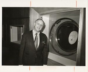 Image of David L. Wolper with the Hope Diamond at National Museum of Natural History