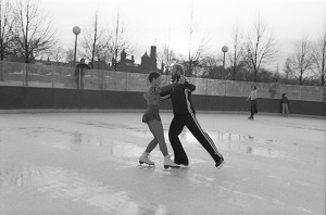 Image of Christine Smith and Gary Sturm Ice Dance at the Sculpture Garden Rink