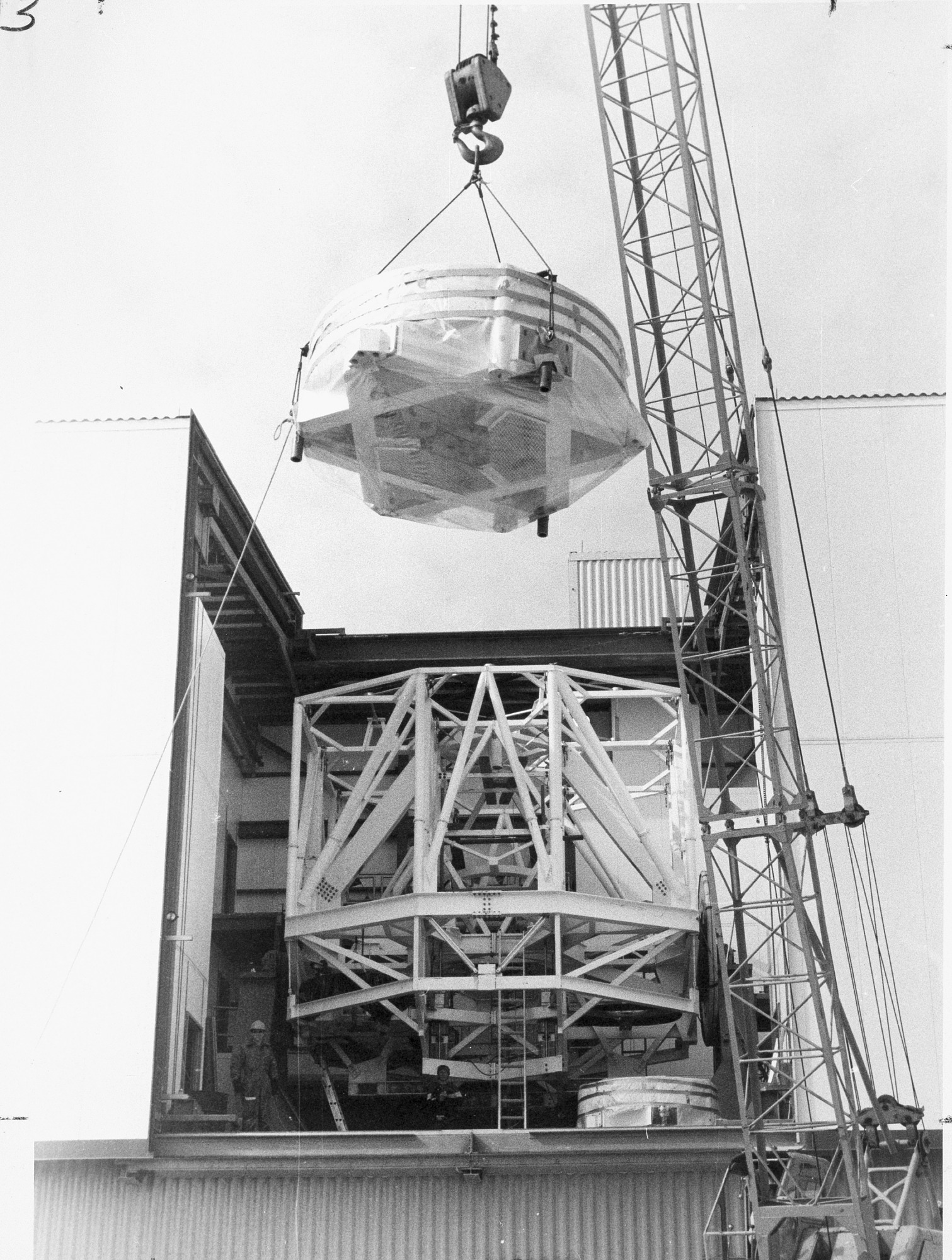 Installation of Multiple Mirror Telescope