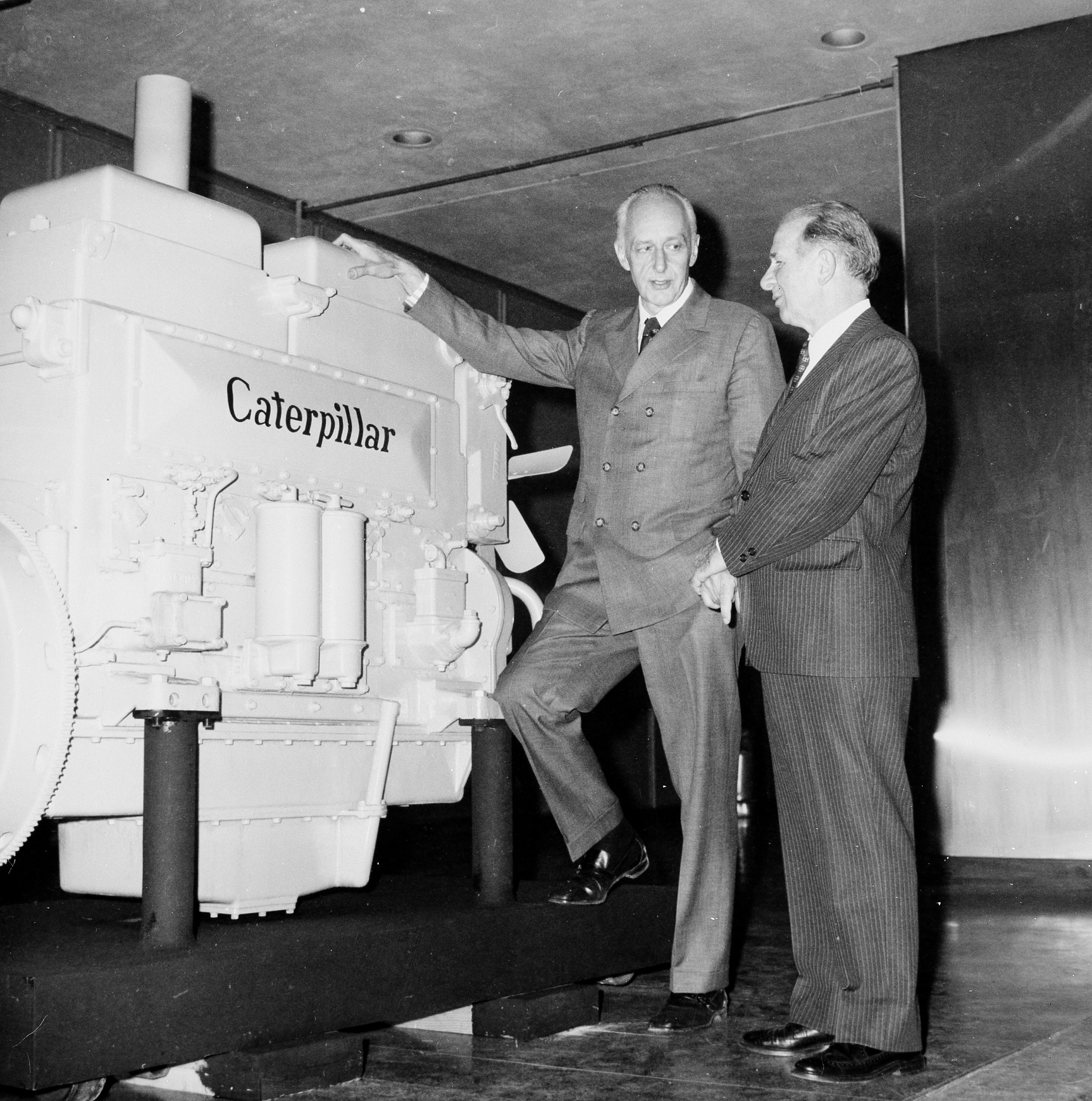 NMHT Receives First Caterpillar Engine