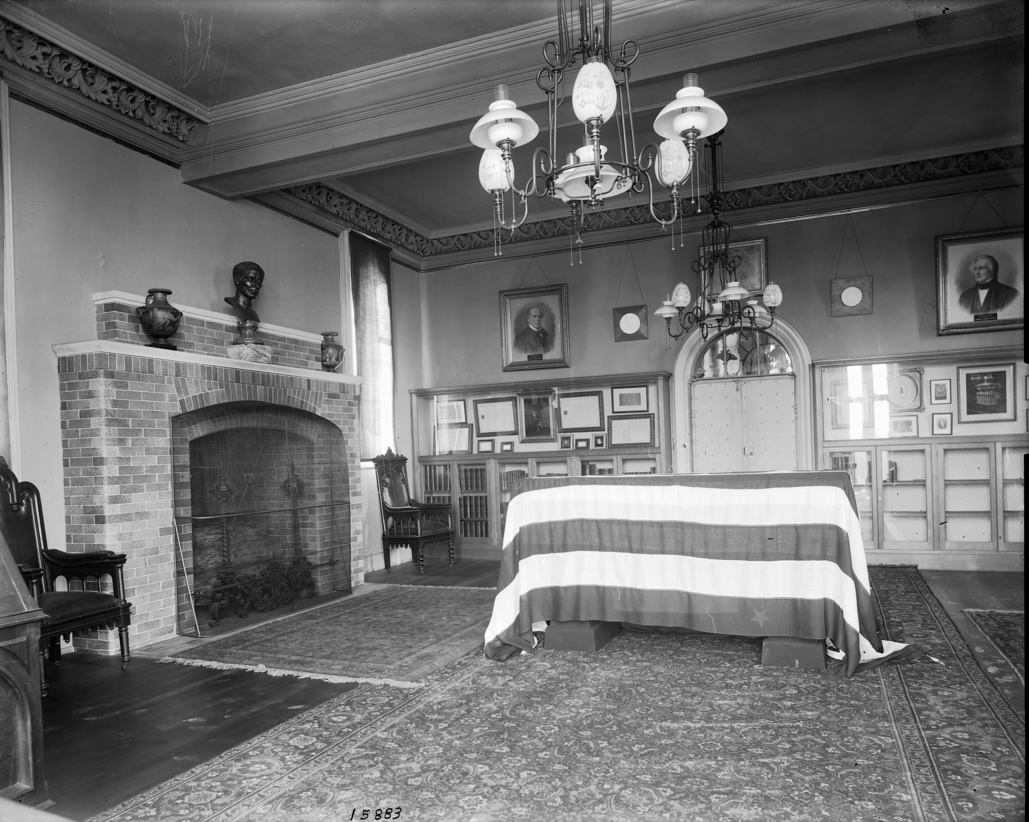 Regents' Room with James Smithson's Coffin