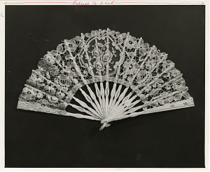 Image of Sarah Polk's Lace Fan