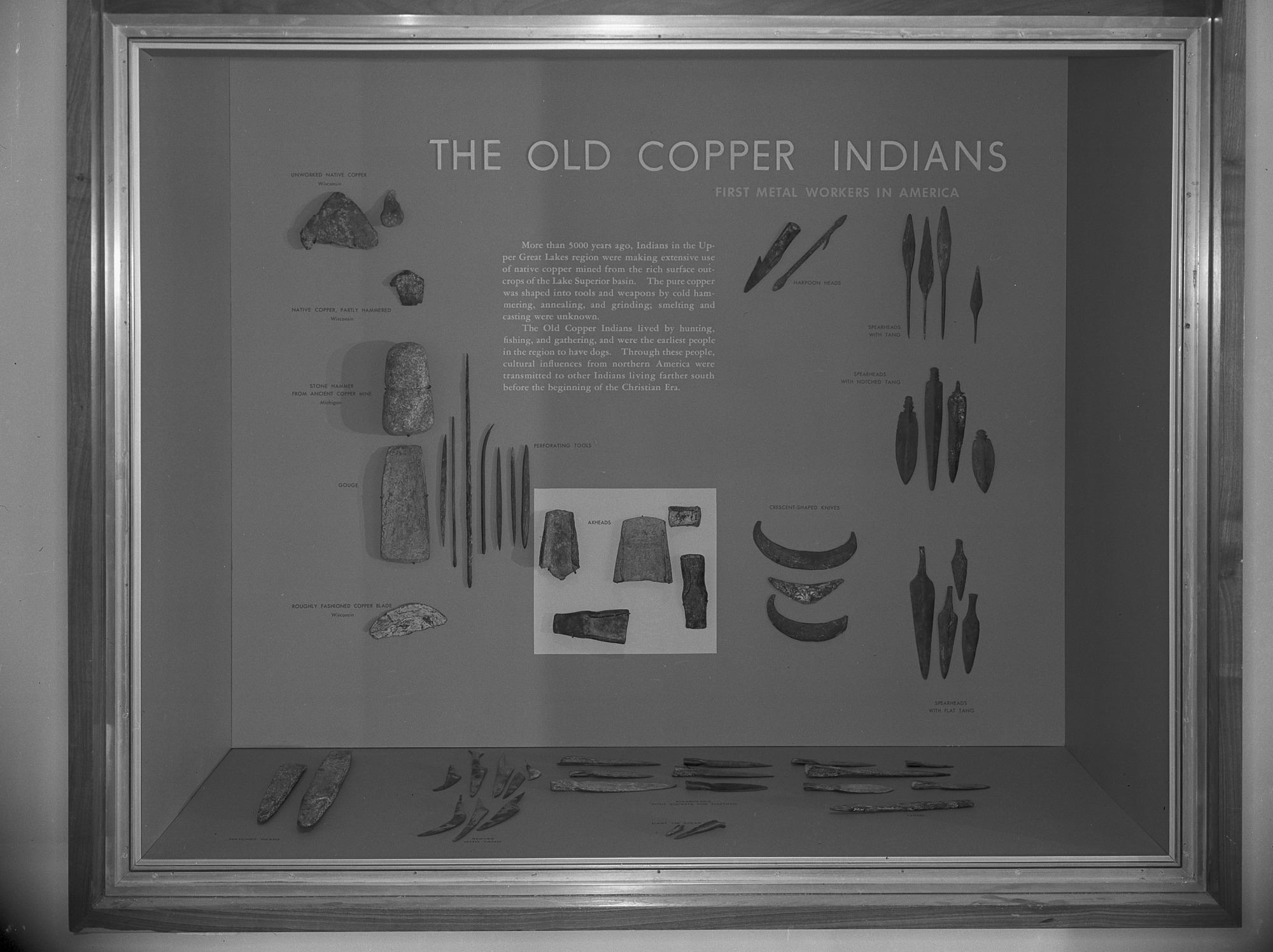 Photograph of exhibit of collection of materials from ancient cooper mining operations of the Lake Superior copper region, U.S. National Museum, 1962. Smithsonian Institution Archives, negative number mnh1007.