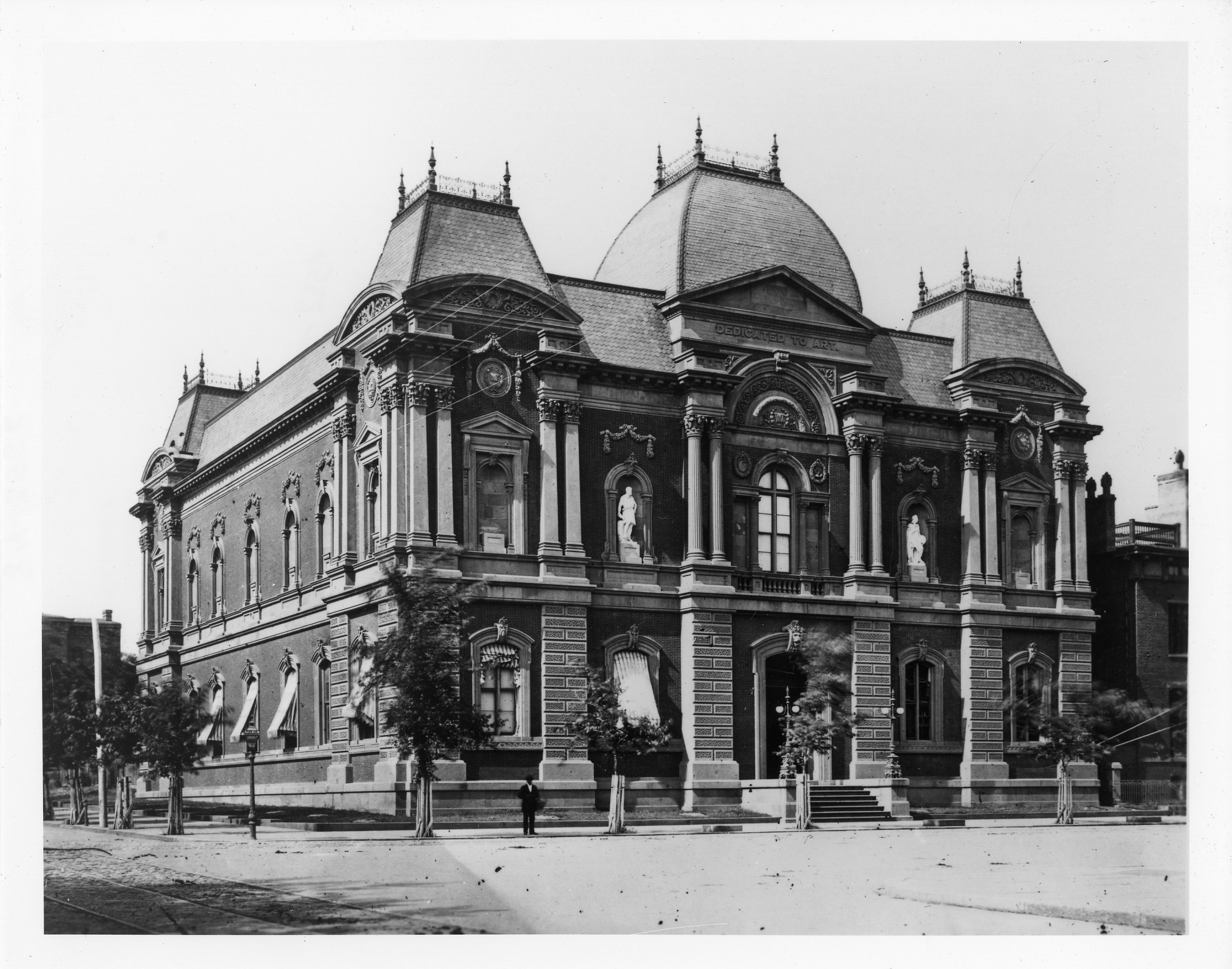 Photograph of Corcoran Gallery of Art, late nineteenth century. Smithsonian Institution Archives, negative number SIA2008-2351.