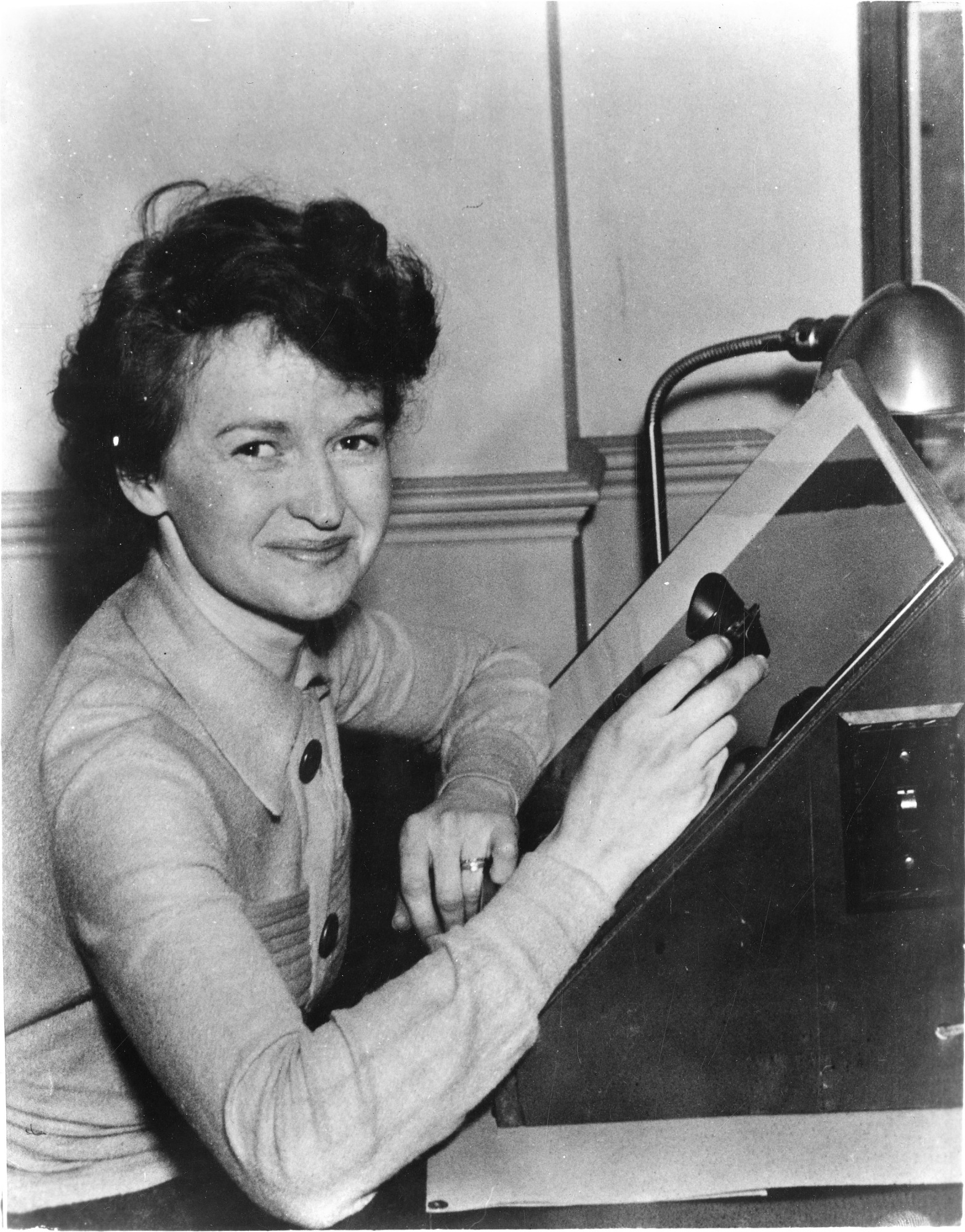 Muriel E. Mussells Seyfert (b. 1909), 1936, Smithsonian Institution Archives, SIA Acc. 90-105 [SIA2009-3191].
