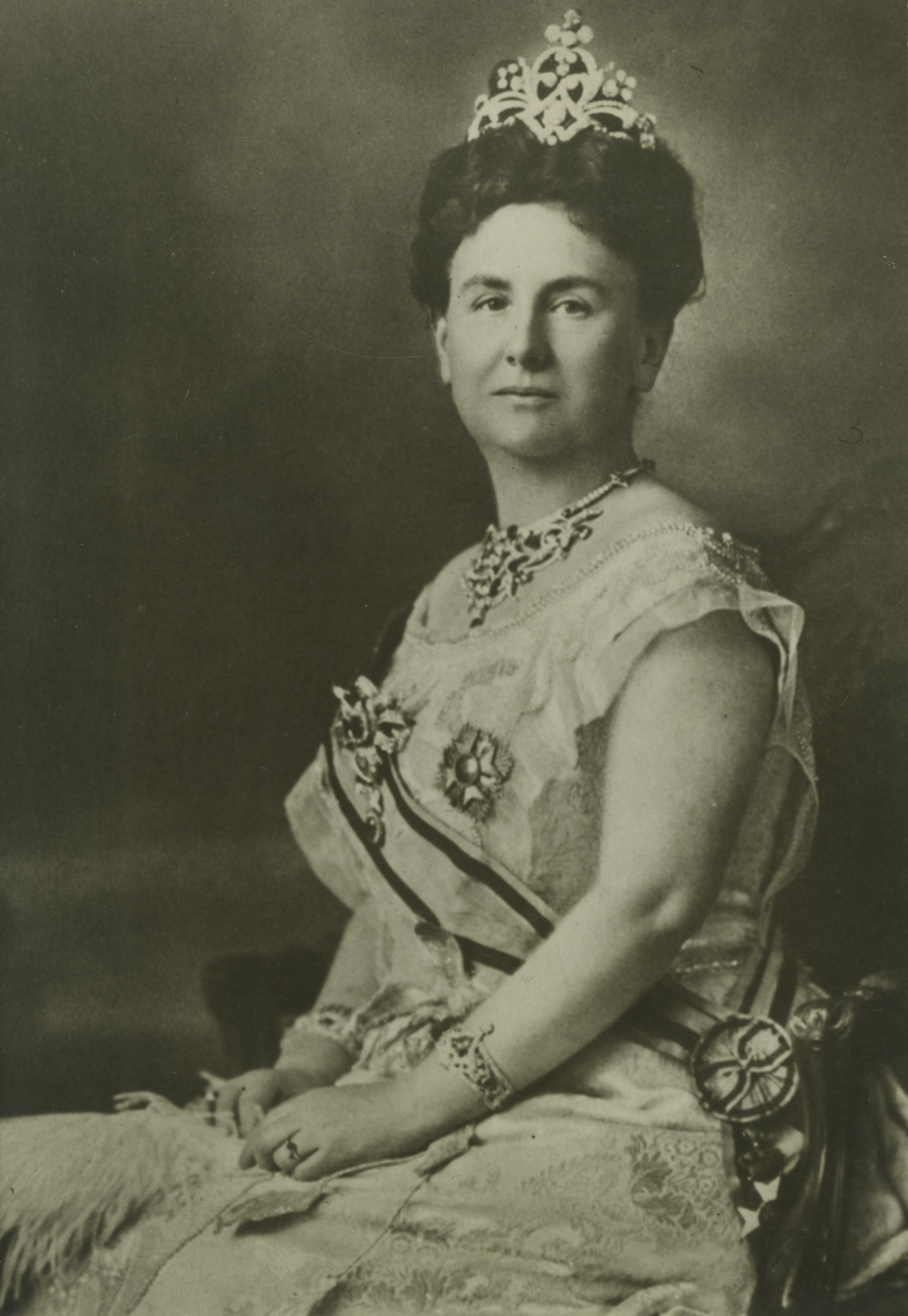 Queen Wilhelmina (1880-1962), 1922, Smithsonian Institution Archives, SIA Acc. 90-105 [SIA2010-1228].