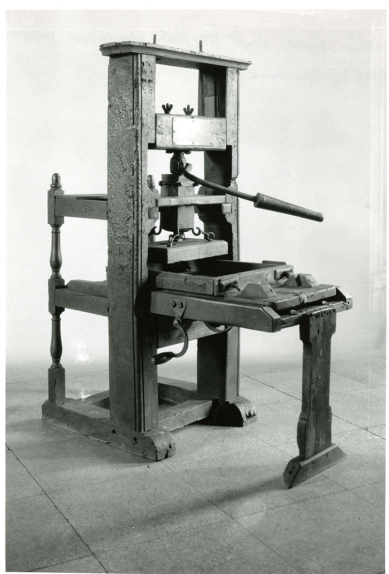 Franklin Printing Press, by Unknown, Smithsonian Archives - History Div, SIA2010-2429 or 17539-B or MAH-17539B.