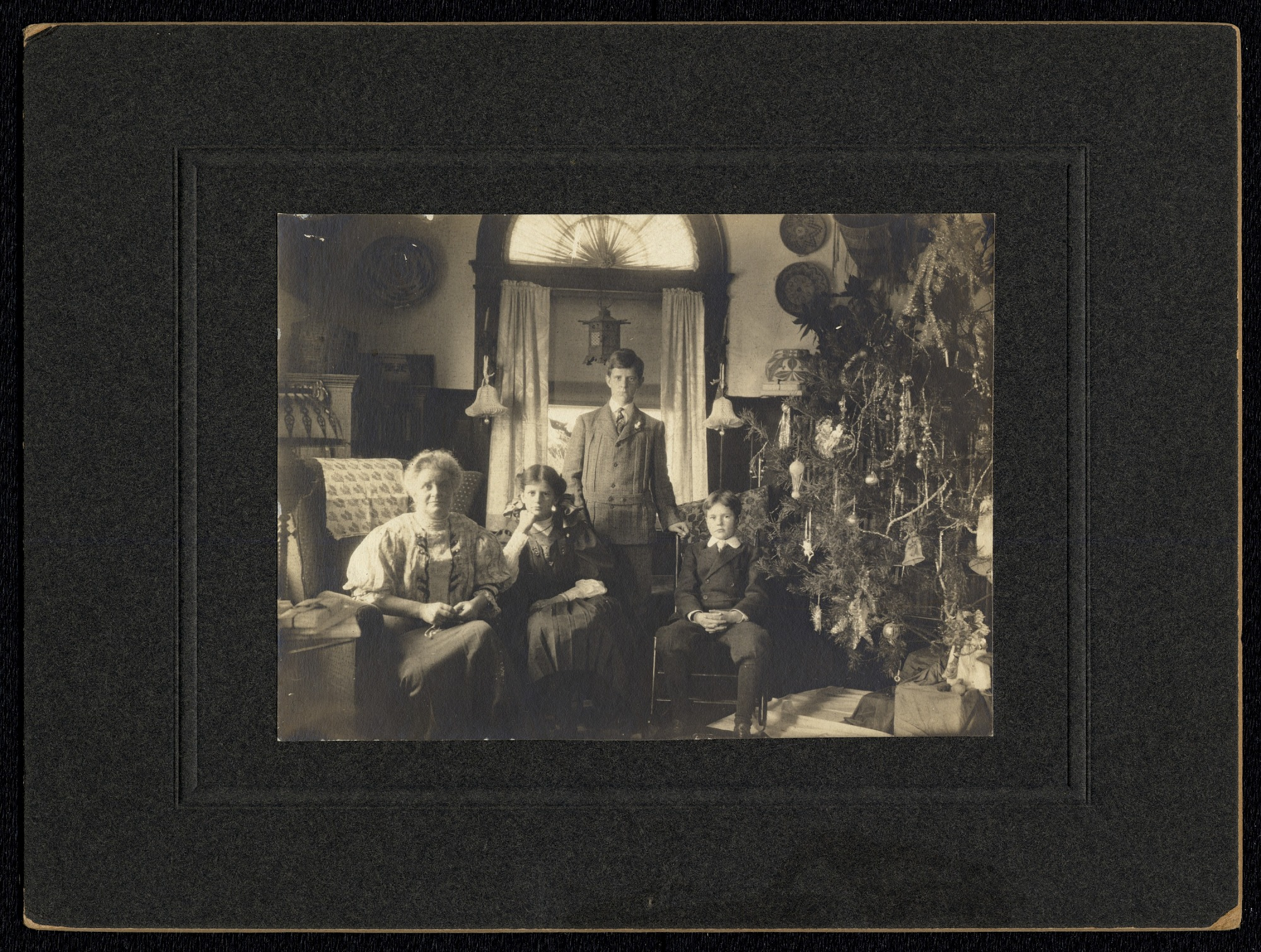 Walcott Family Christmas Morning, by Walcott, Charles D (Charles Doolittle) 1850-1927, December 25, 1907, Smithsonian Archives - History Div, SIA2011-0017.