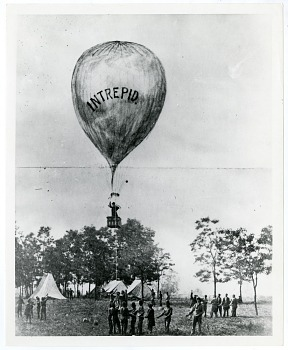 Preview of Balloonist Ascends from Smithsonian Grounds