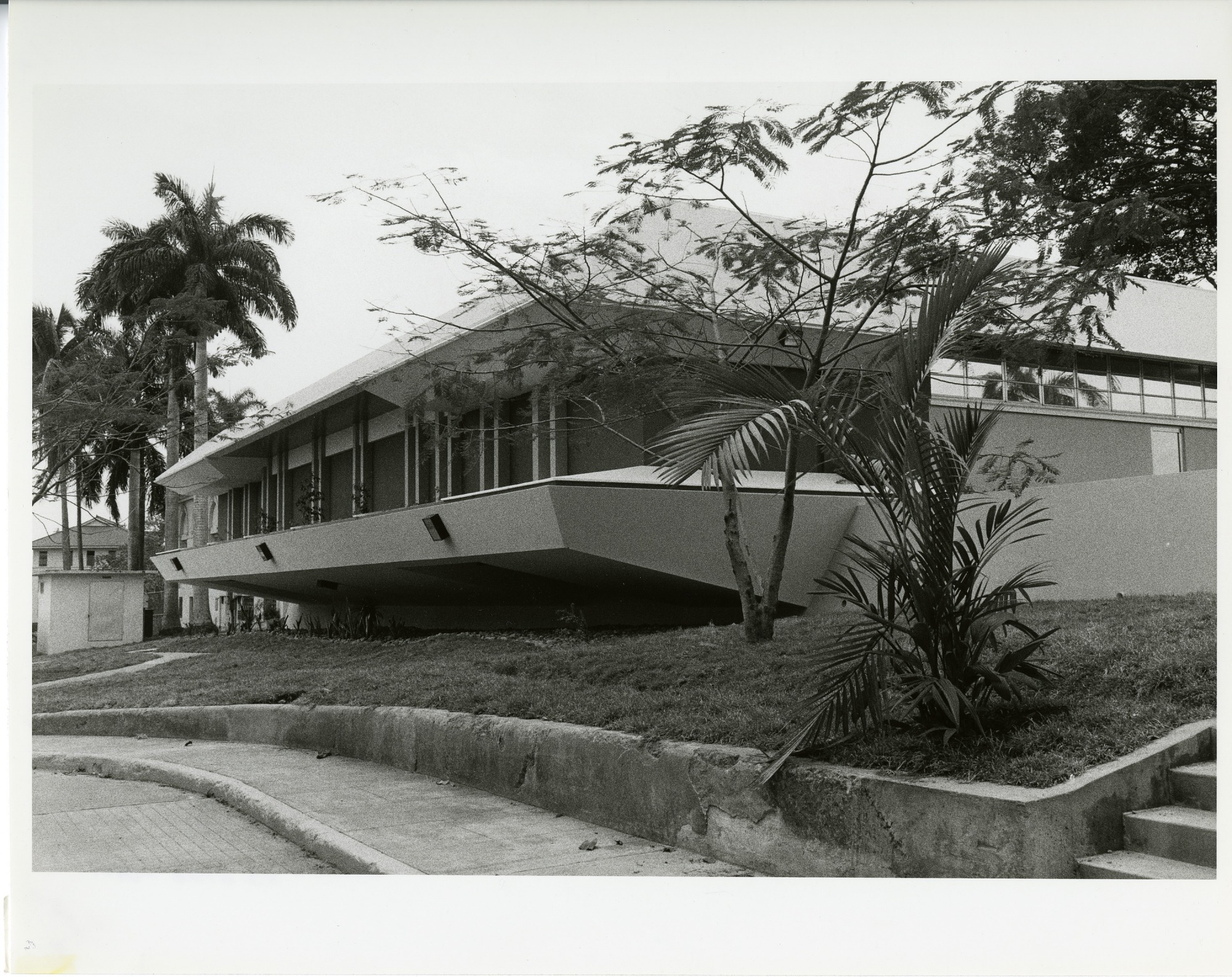Smithsonian Tropical Research Insititute Library in Panama City