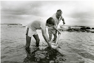 Image of Dr. Raymond B. Manning and William D. Lee Using a