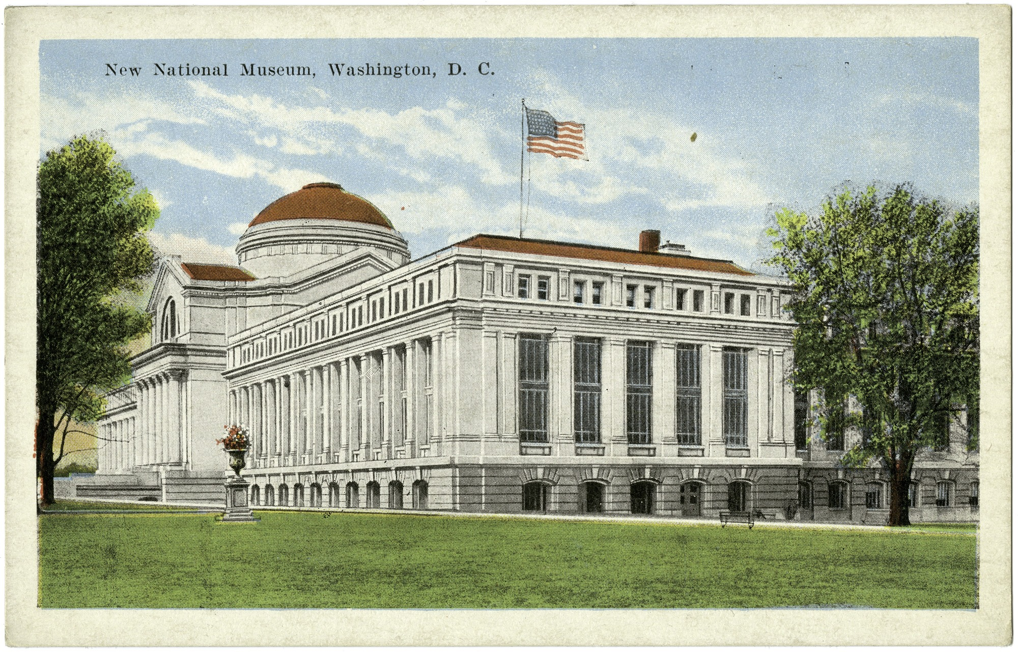 Postcard of the New National Museum, c. 1915-1930, Smithsonian Archives - History Div, SIA2011-2289 (front) and SIA2011-2290 (back).