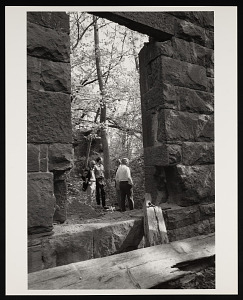 Image of Seneca Quarry, Removal of Stone for South Gate of Smithsonian Institution Building, or Castle