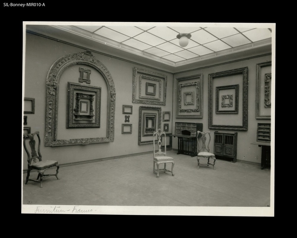Spanish picture frames. Paris,1931. Gallery view of a 1931 frame ...