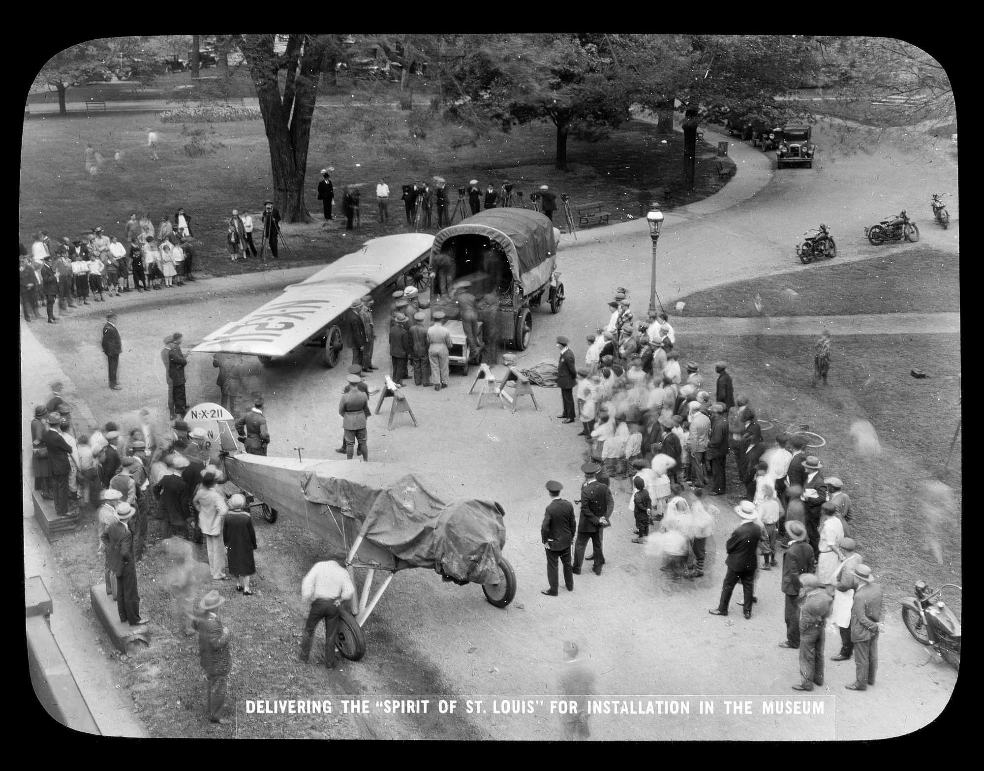 "Delivering the ""Spirit of St. Louis"" to the Smithsonian"