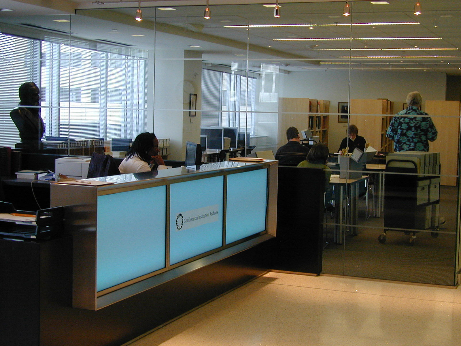 The Smithsonian Institution Archives' Front Desk, by Ken Rahaim, Courtesy of Smithsonian Institution Archives.