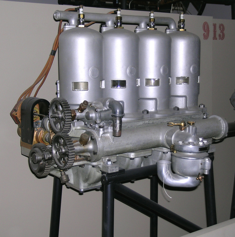 Roberts 4X, In-line 4 Engine