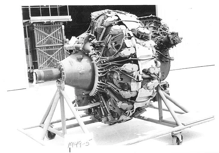 Wright Cyclone R-3350-23 (670C18BA3), 2-Row, Radial 18 Engine, Cutaway,Wright Cyclone R-3350-23 (670C18BA3), 2-Row, Radial 18 Engine, Cutaway
