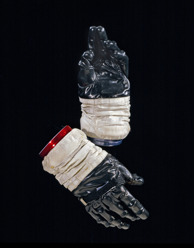 Glove, Right, A7-L, Intravehicular, Apollo 11, Collins, Flown