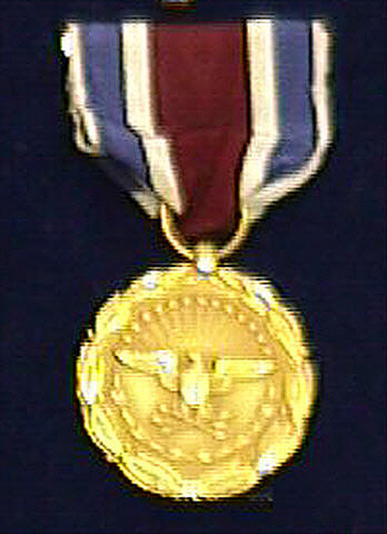 Medal, Large, Distinguished Public Service, Department of Defense, 1970