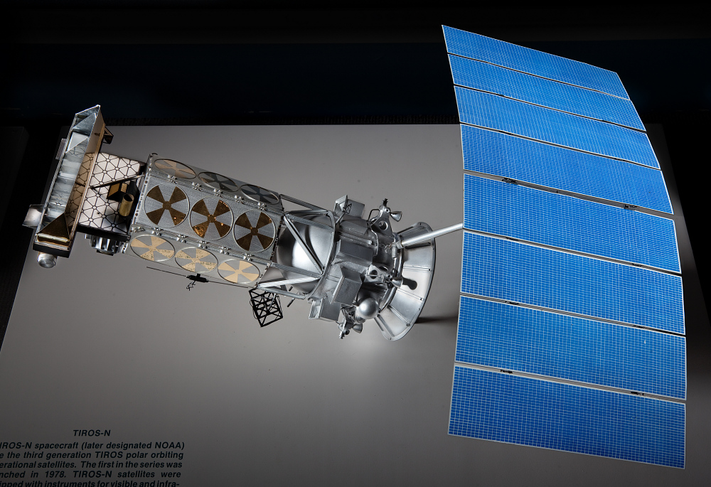 Model, Meteorological Satellite, Tiros N