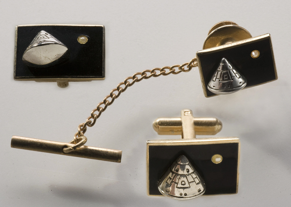 Cuff Links, Apollo 11