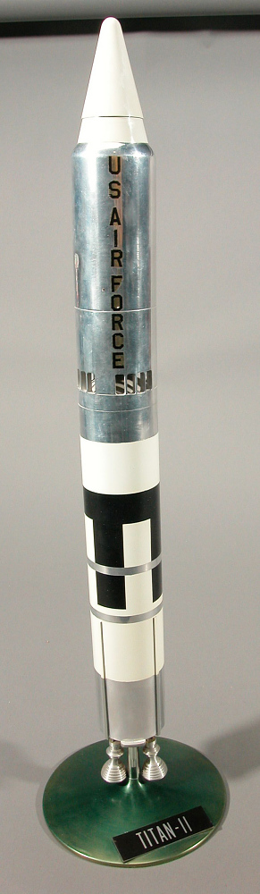 Model, Missile, Titan II