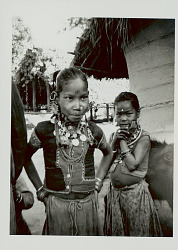 Tharu (South Asian people)