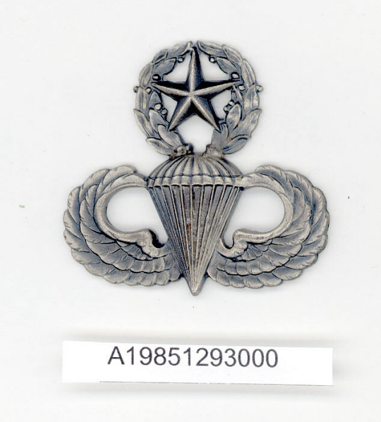 Badge, Master Parachutist, United States Army