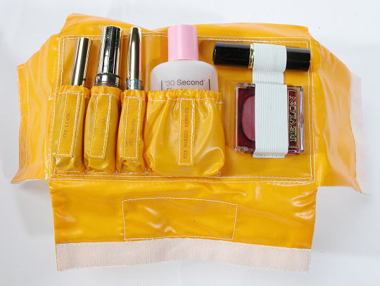 Make-up Kit, Shuttle