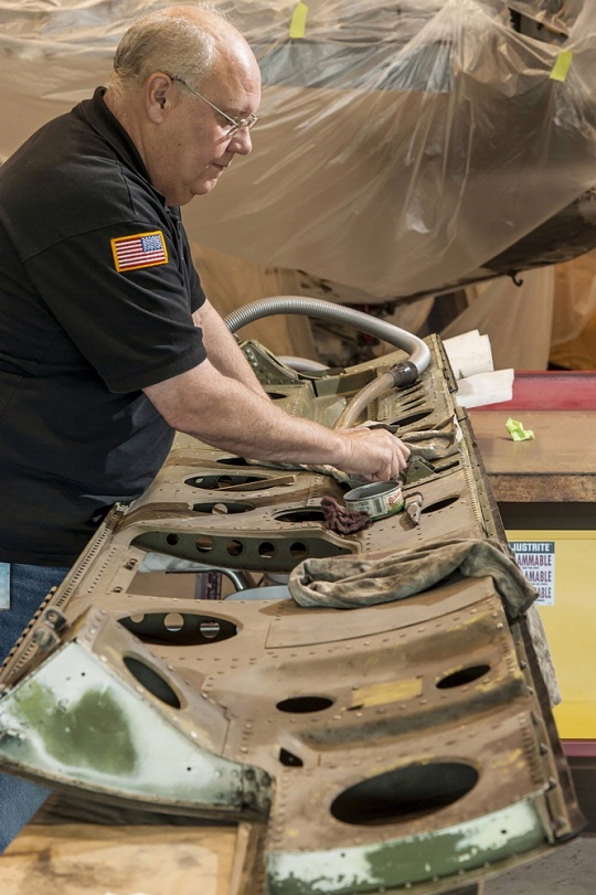 Cleaning of Helldiver's Bomb Bay Door