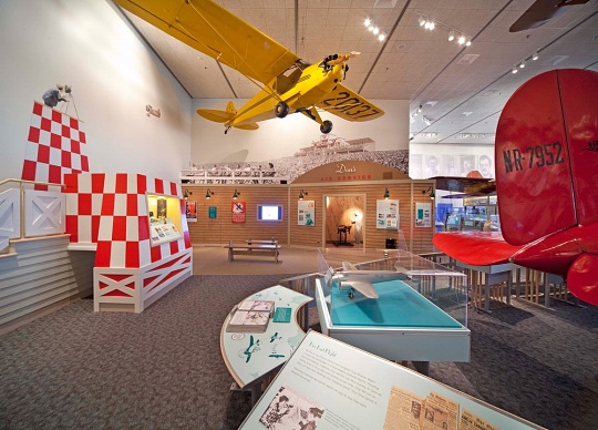 "<i>Barron Hilton Pioneers of Flight Gallery</i> - ""Don's Air Service"""