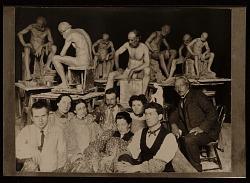 Solon Borglum and fellow students at the Art Academy of Cincinnati