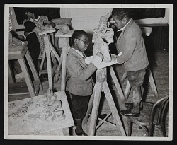 Photograph of sculpture class, Harlem Community Art Center