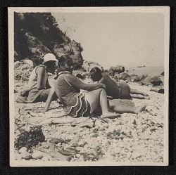 Hans Hofmann and students on the beach in Capri