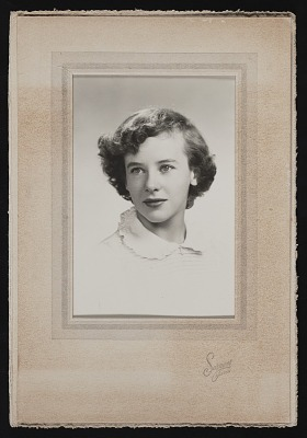 Eleanor Munro papers, circa 1880-2011, bulk 1950-2011