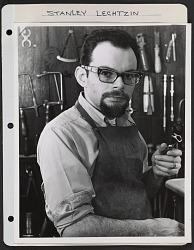 Stanley Lechtzin