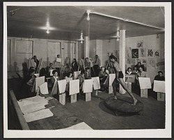 A life drawing class taught by Giacomo Patri at the California Labor School