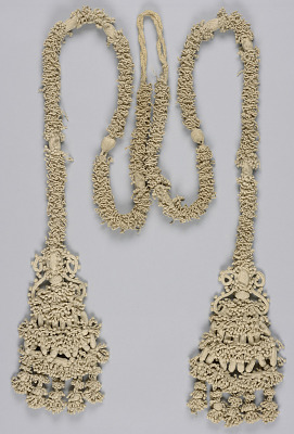Cord with tassels