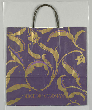 c55ee29301de Holiday Shopping Bags | Smithsonian Institution