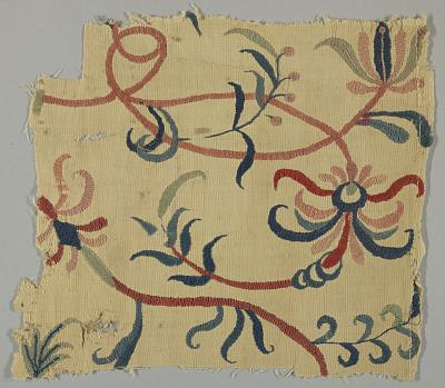 Crewel wool fragment