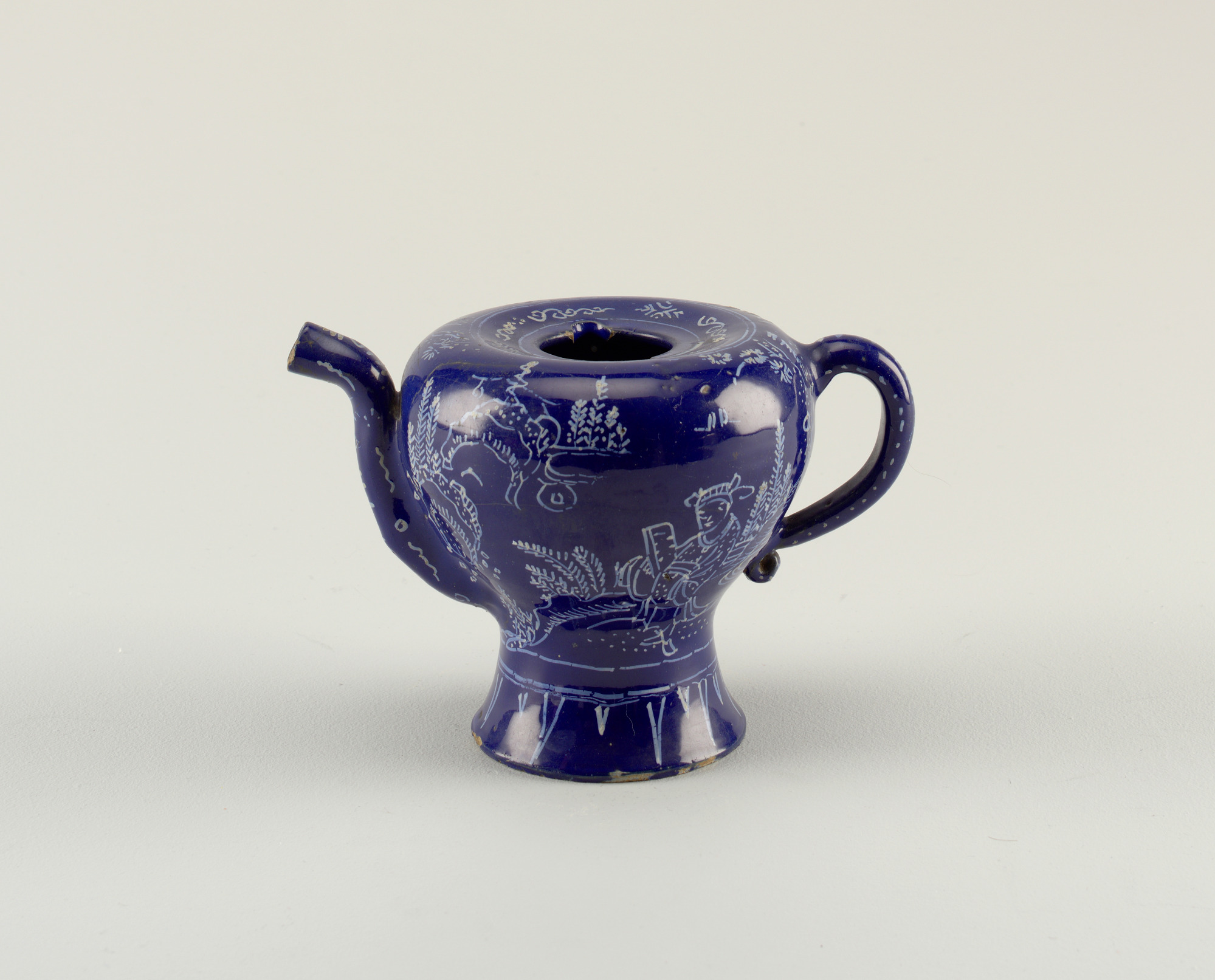 Coffeepot with Chinoiserie Figures in Landscape