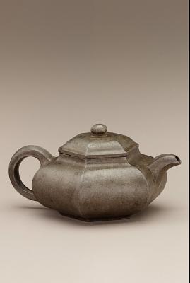 Yixing ware Hexagonal teapot