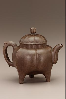 Yixing ware fluted three-legged teapot