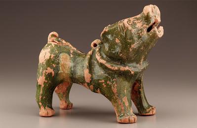 Tomb figure of a barking dog
