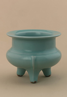 Tripod incense burner, style of Chinese Longquan-ware celadon