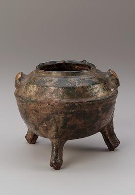 Tomb tripod vessel