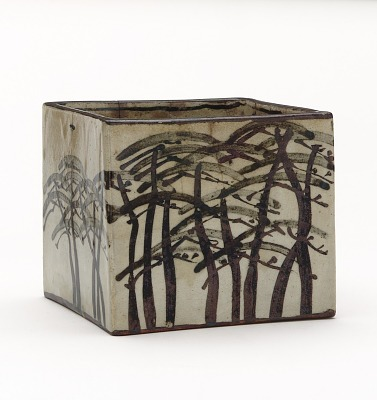Ember pot with design of pines